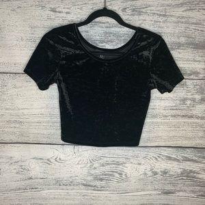 Forever 21 Black Velvet Cropped Shirt Size M
